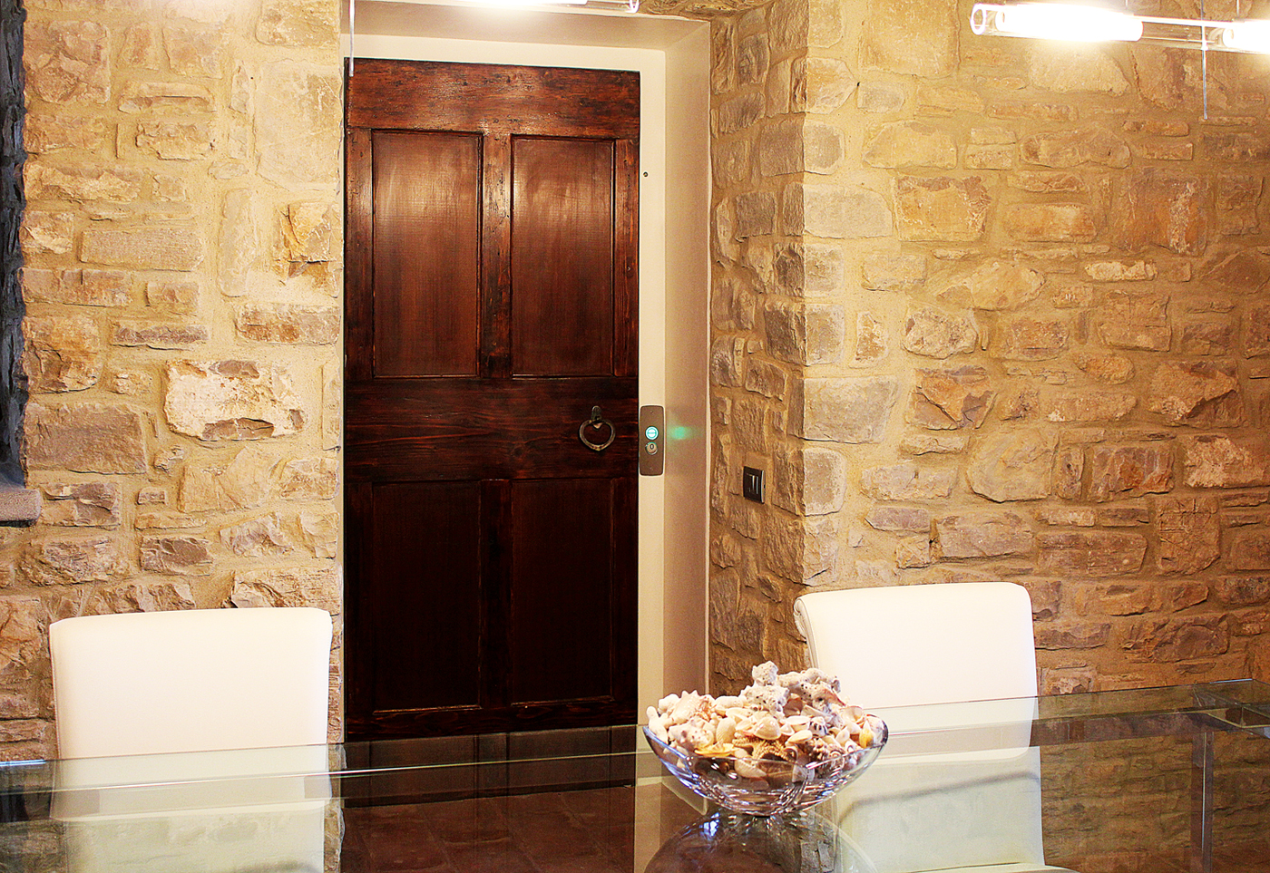 Private-Villa-Florance-with-customized-wood-door-00_1400web
